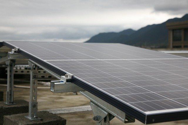 Odnawialne źródła energii w firmach