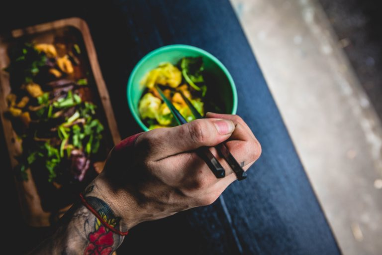Jak skutecznie schudnąć – połączenie diety i suplementów