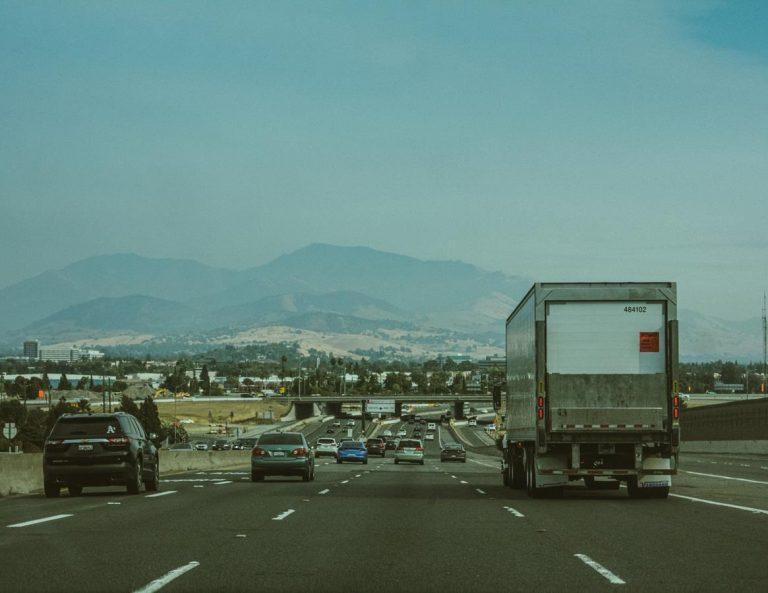 Jakie usługi naprawcze może zrealizować pomoc drogowa na miejscu?