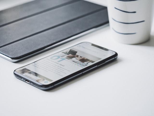Uszkodzenie iPhone'a – gdzie szukać serwisu telefonów Apple?