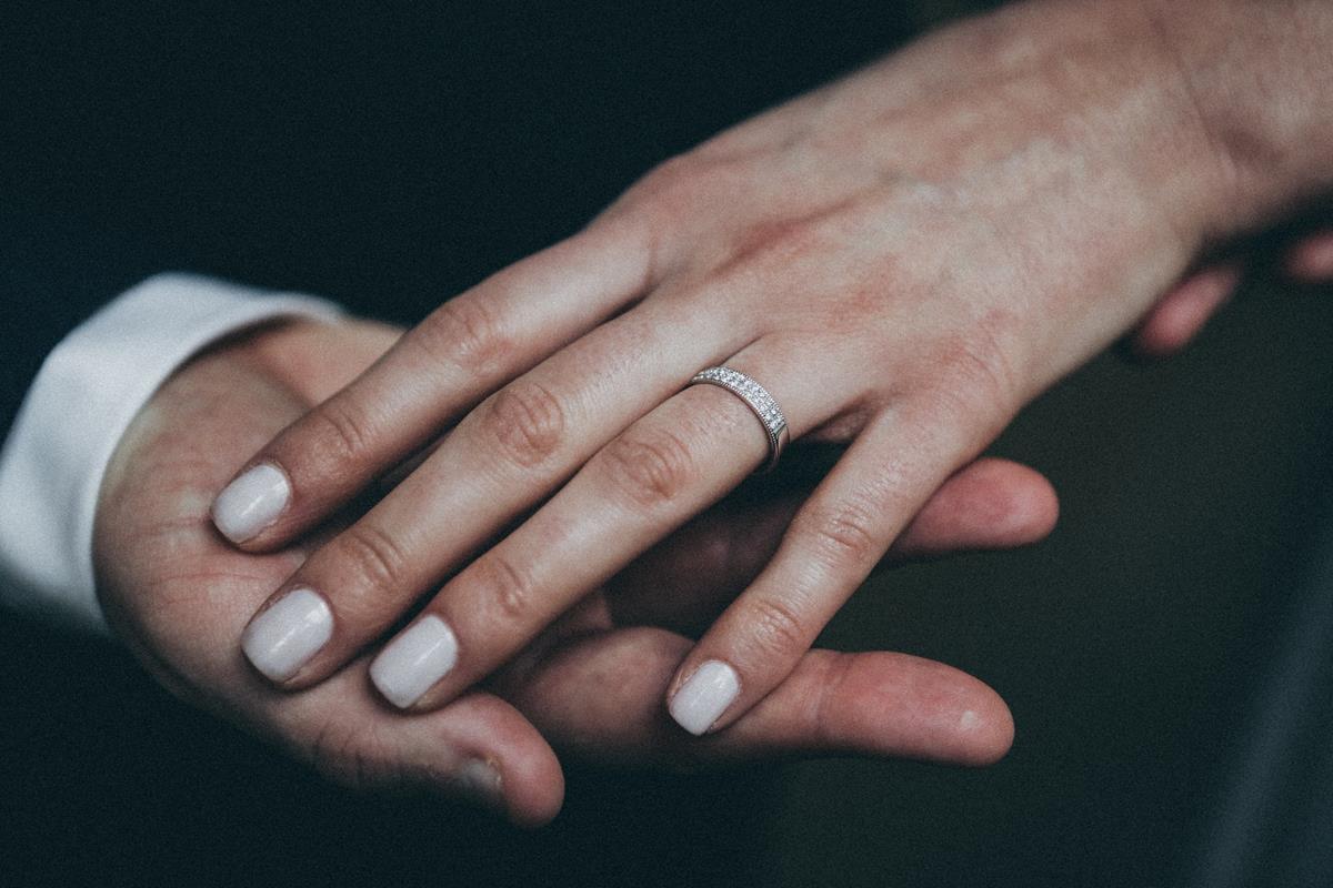 Jakie zalety ma manicure hybrydowy?