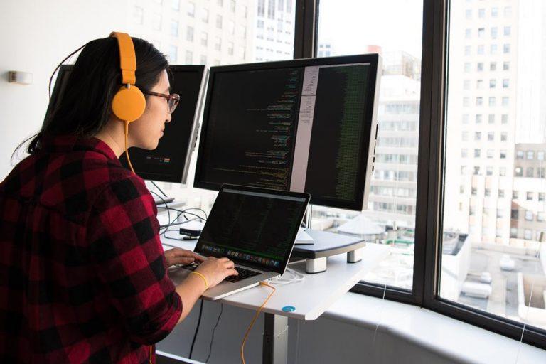 Świetne pomysły na pomyślne prowadzenie bloga z myślą o technologii